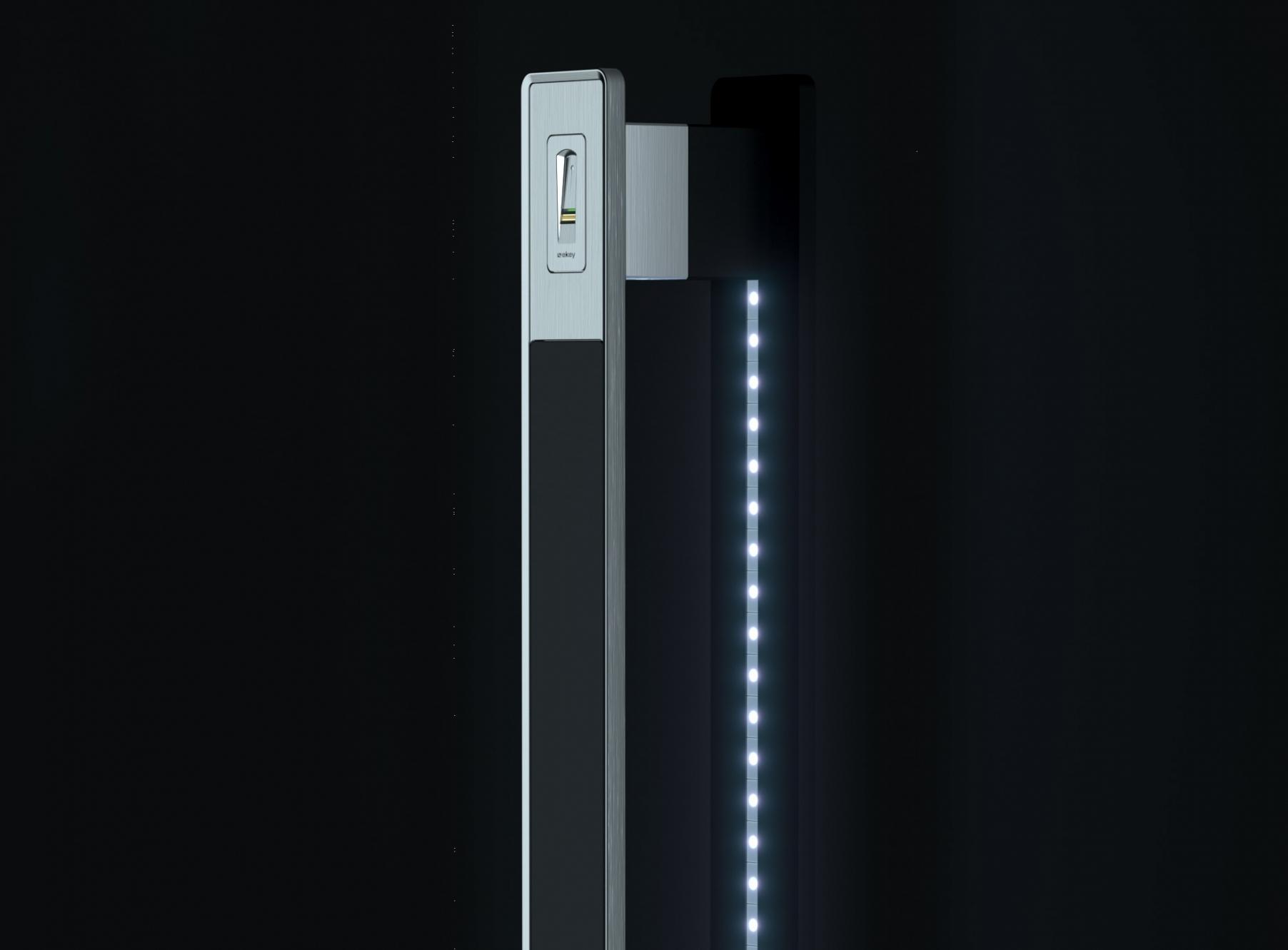Ročaji s čitalnikom prstnih odtisov in LED svetili - Door handle with fingerprint scanner and LED lights - Haustuergriffe mit Fingerscanner und LED - Griffing